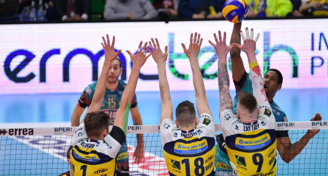 Volley, playoff: Trento piega Civitanova al tie break, Perugia sconfigge Modena 3-1