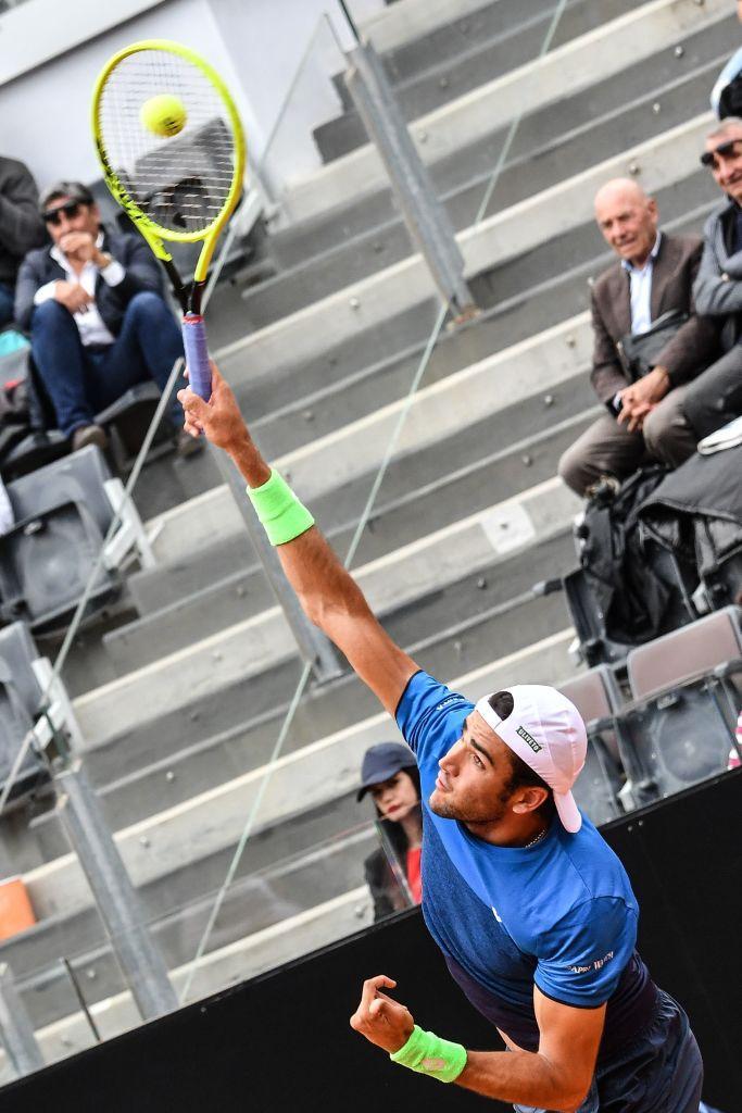 Tennis: Berrettini, grande impresa a Roma