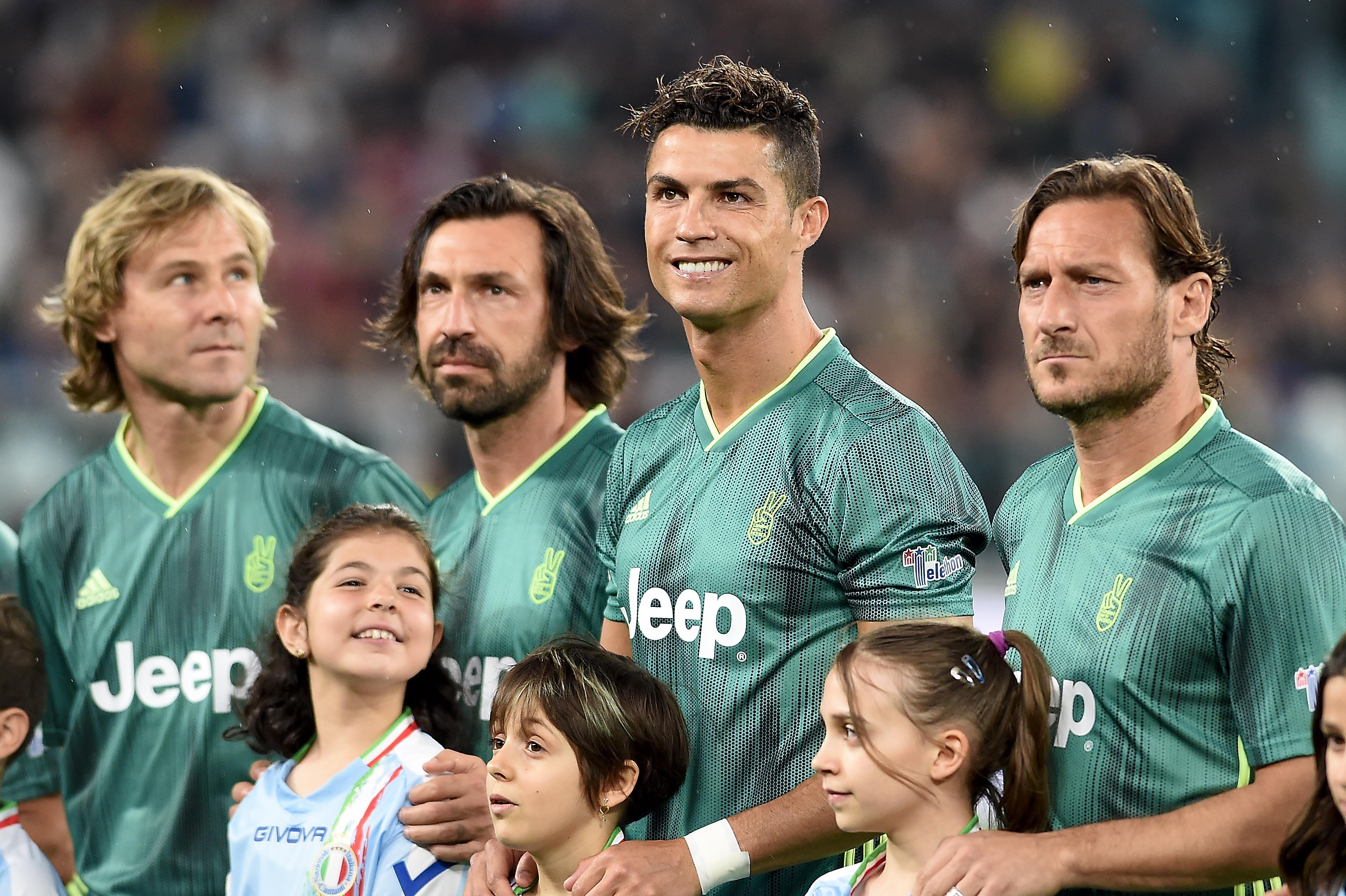Parata di stelle alla Partita del Cuore 2019 andata in scena all'Allianz Stadium. Cristiano Ronaldo insieme a Totti, oltre al ritorno a Torino di Buffon e Pirlo e al cambio di