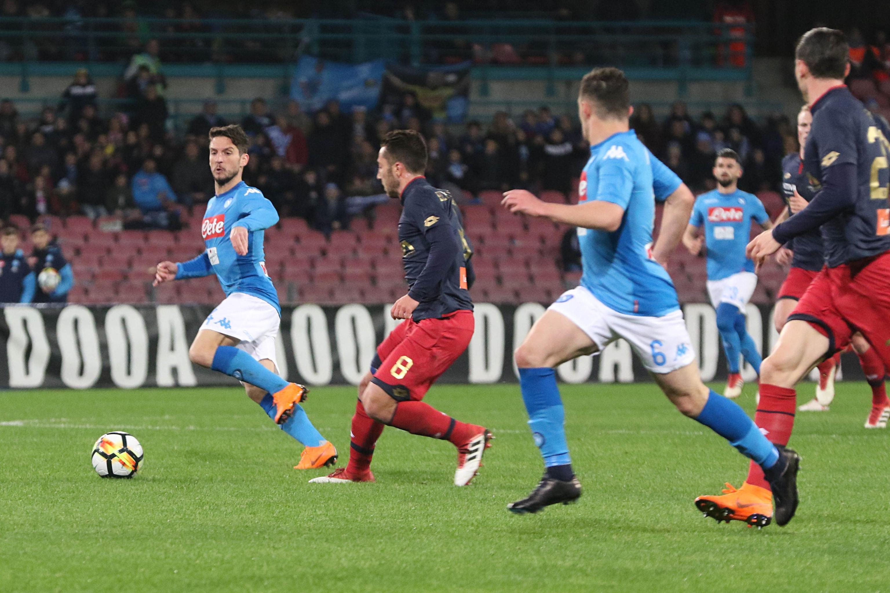 Serie A: Napoli-Genoa 1-0, azzurri a -2 dalla Juve