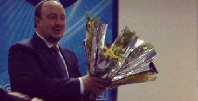 Benitez, Twitter Napoli