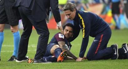 PSG, infortunio al ginocchio per Dani Alves: Mondiali a rischio
