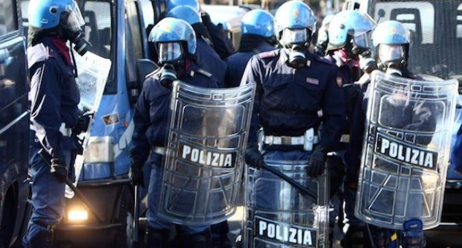 Coppa Italia, tafferugli tra polizia e tifosi della Fiorentina: un arresto