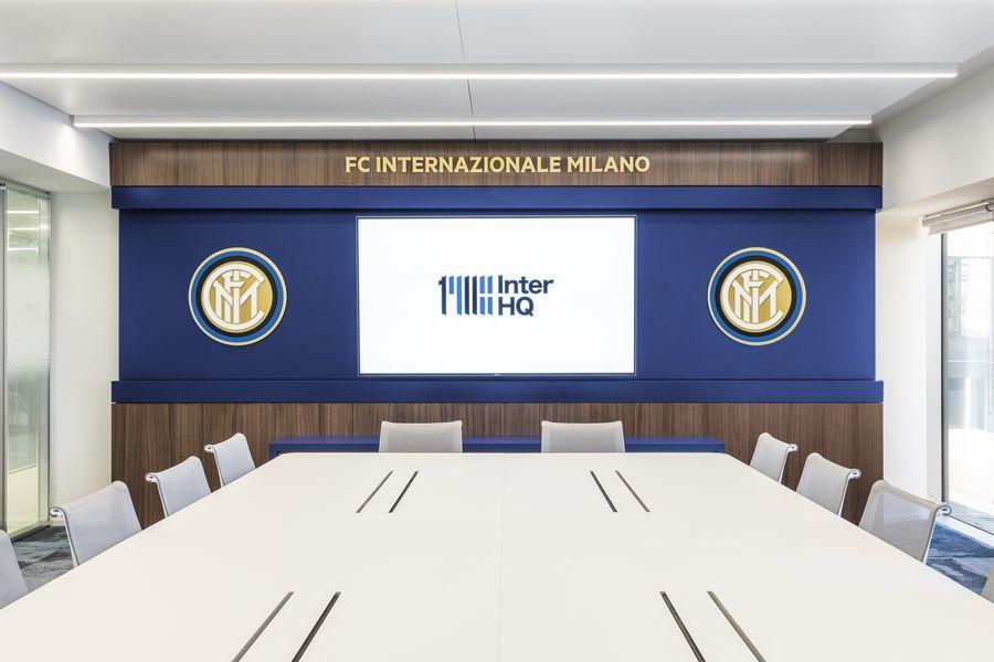 L'Inter inaugura la sua nuova sede . Questo il comunicato con cui il club presenta la casa nerazzurra voluta da Suning