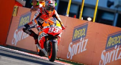 Marquez a ruota alzata foto MotoGP.com