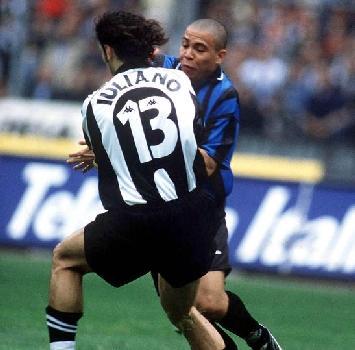 """Ceccarini per la prima volta in tv dopo 20 anni di silenzio: """"Iuliano in Juve-Inter? L'errore fu non fischiare il fallo di Ronaldo"""""""