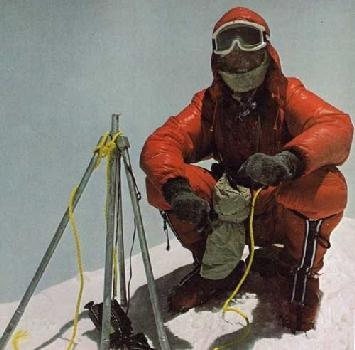 Alpinismo, l'8 maggio di 40 anni fa Messner rese possibile l'impossibile: l'Everest scalato senza bombole