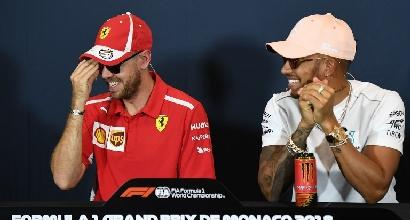 Lewis Hamilton frena: