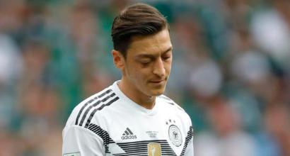 """Germania, il presidente della Dfb: """"Avremmo dovuto fare di più per Özil"""""""