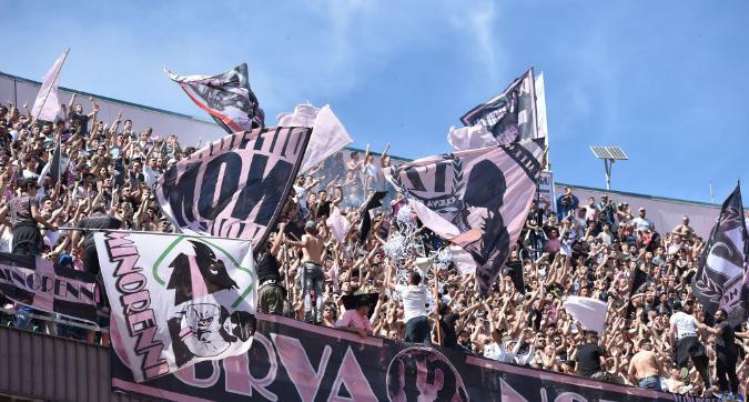 Caos Serie B: Palermo escluso dal campionato, ripescato il Venezia