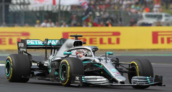 F1, Hamilton trionfa a Silverstone