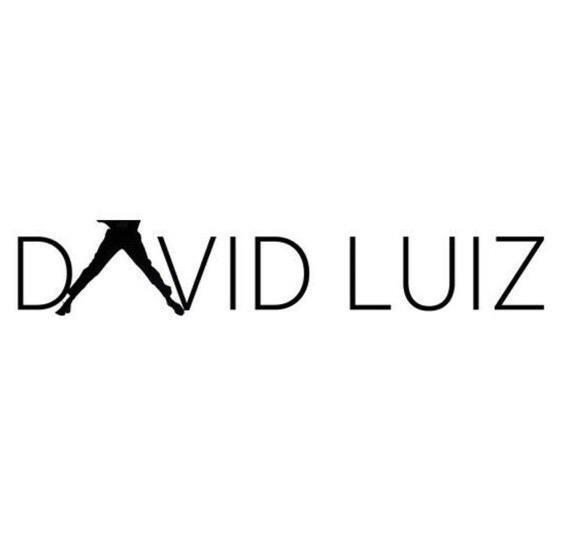 David Luiz come la Tour Eiffel
