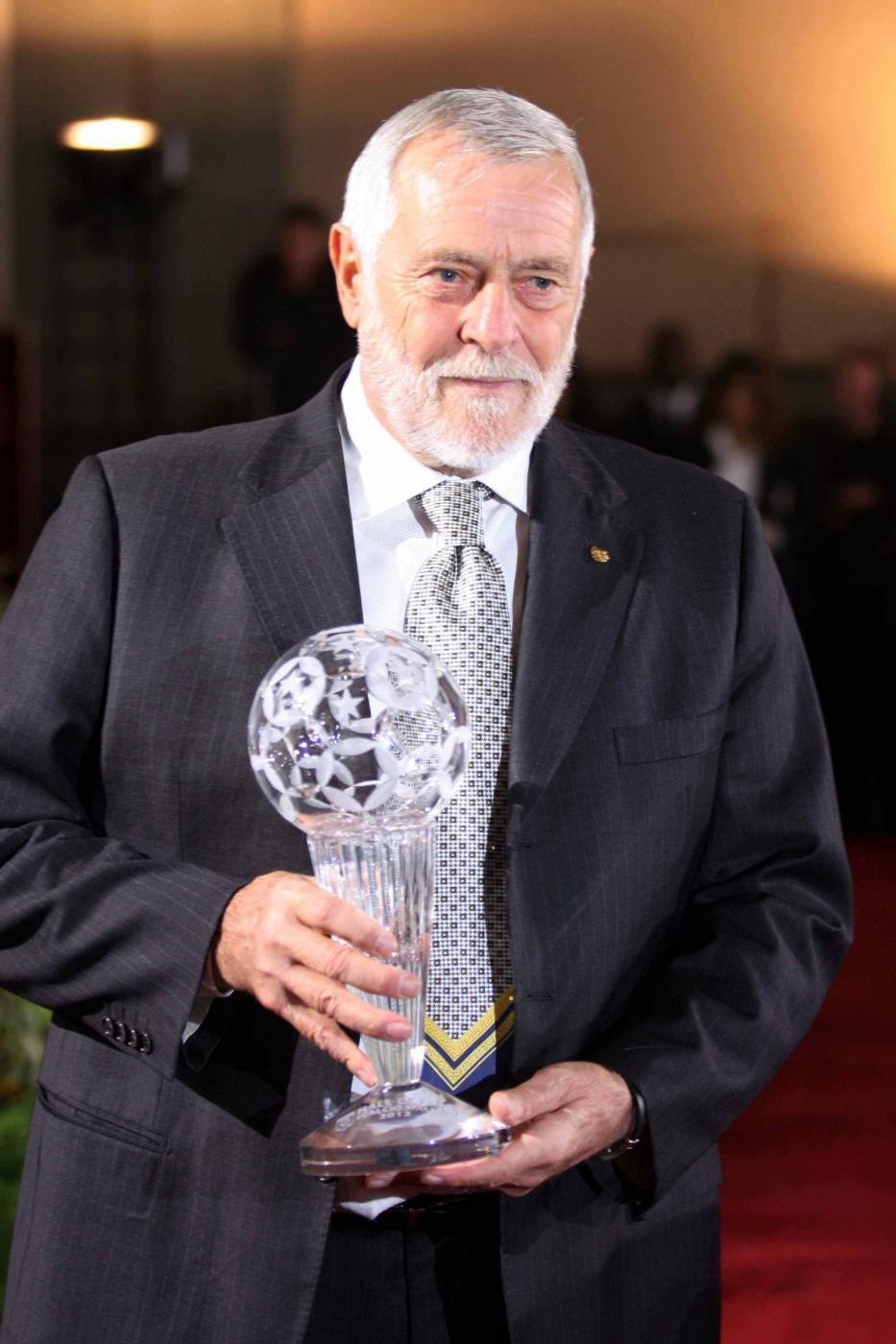 Luigi Agnolin (29 settembre 2018)  - L'ex arbitro di calcio in Serie A dal 1973 al 1990, dirigente e moviolista televisivo nonché commissario straordinario dell'Aia è morto all'età di 75 anni.