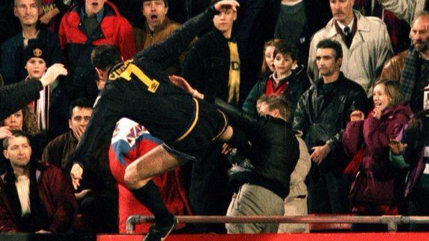 Eric Cantona, Manchester United: 9 mesi per un calcio ad un tifoso del Crystal Palace (1995)