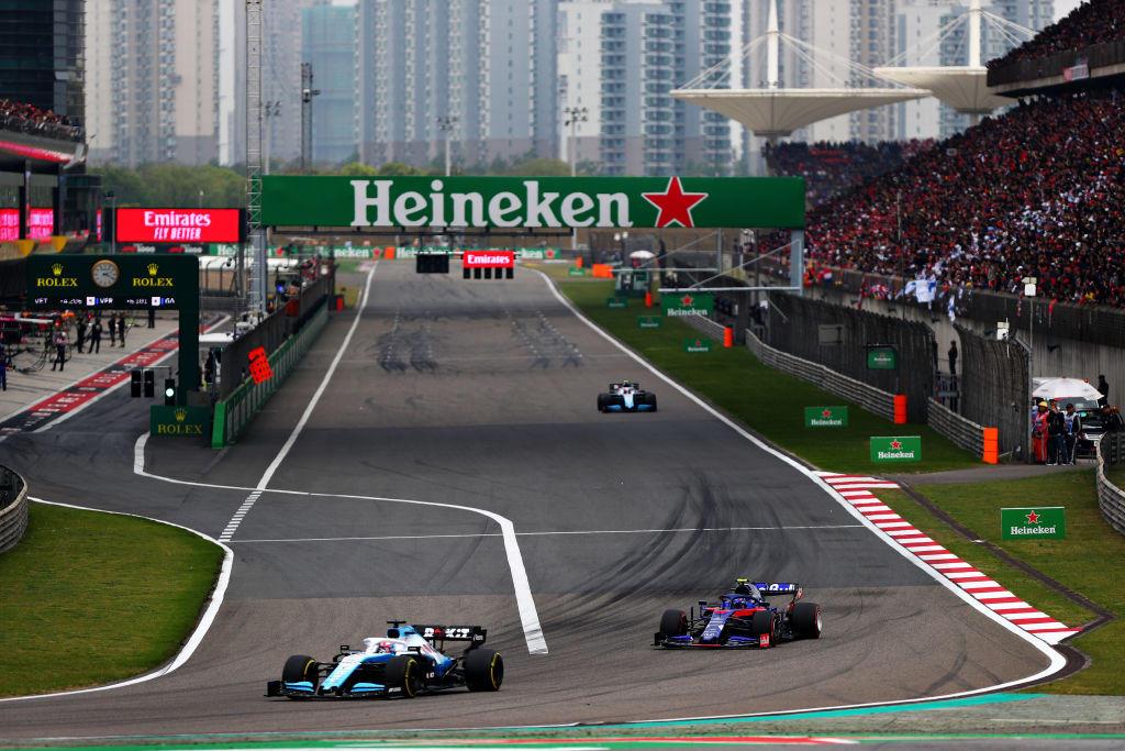 Lewis fa il fenomeno a Shanghai e vince ancora.