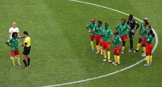 Il Var concede il gol. E il Camerun si rifiuta di giocare...