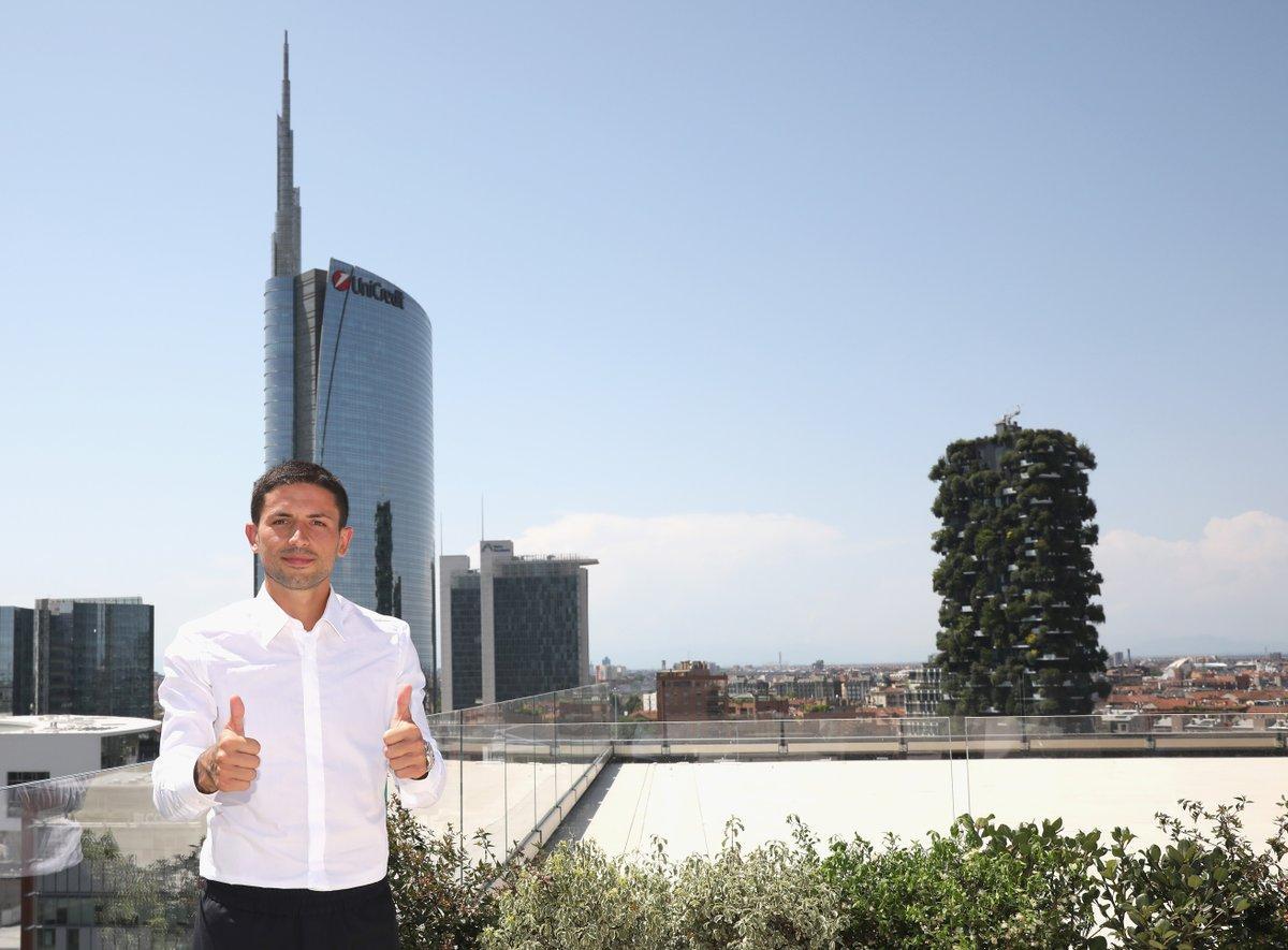 Sensi nella sede dell'Inter