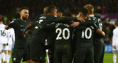 Premier League: City da record, poker allo Swansea