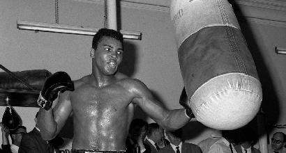 """Lo sport piange Ali. Foreman: """"Se ne va la parte più grande di me"""""""