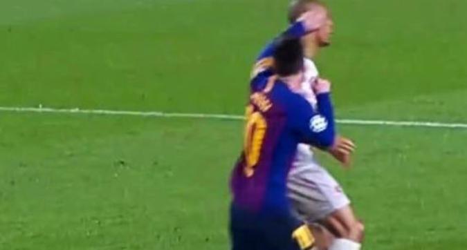 """Punizione? Sì, per il Liverpool! Il pugno di Messi che fa infuriare i Reds: """"Va squalificato"""""""