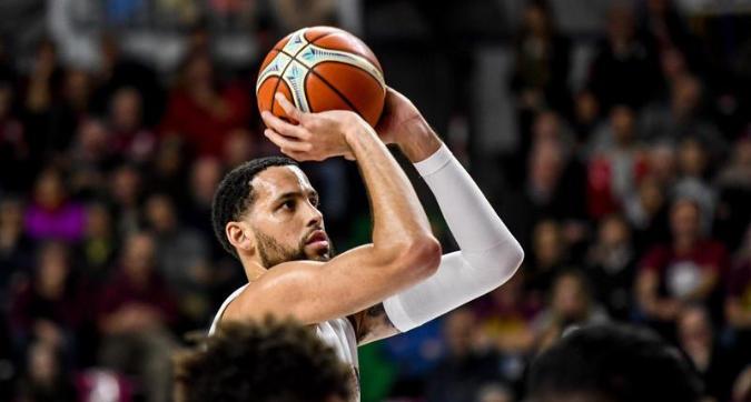 Basket, finale scudetto: Sassari prova la rimonta, Venezia resiste e vince 76-73