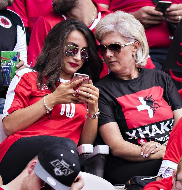 Xhaka, derby in famiglia