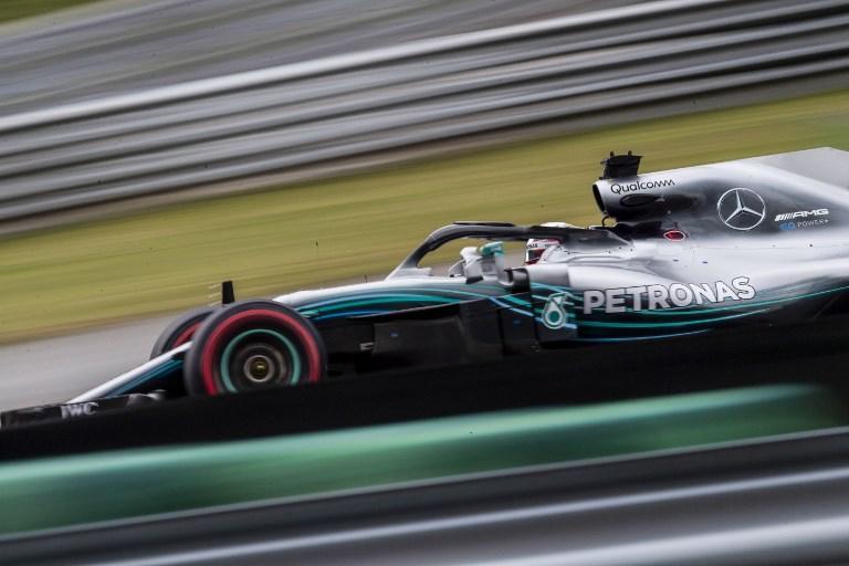 Hamilton durante le qualifiche del GP del Brasile di Formula 1 (10 novembre)