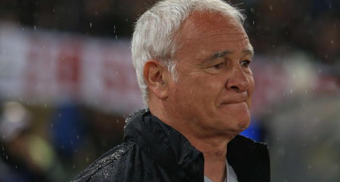 Roma, l'Olimpico omaggia Ranieri che scoppia in lacrime