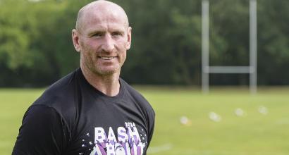 Cardiff, attacco omofobo all'ex capitano della nazionale gallese di rugby Gareth Thomas