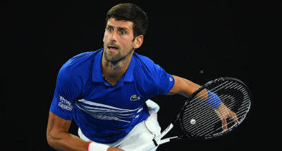 Australian Open, secondo turno: Djokovic batte Tsonga, Zverev avanti a fatica