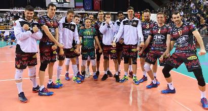 Volley: Perugia affossa Ravenna, Trento soffre ma passa a Milano. Donne: Conegliano ipoteca la regular season