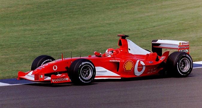 Ferrari, la storia nel centro di Milano