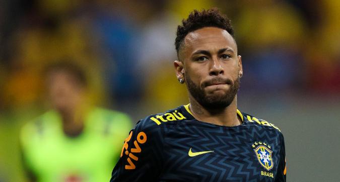Caso Neymar, il brasiliano dalla polizia per la diffusione del video hot