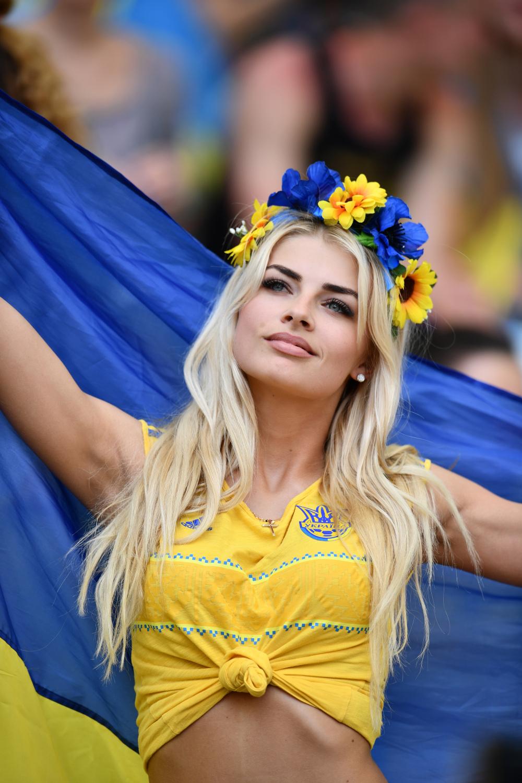 Chi è Miss Europeo? Le tifose ucraine tra le più belle