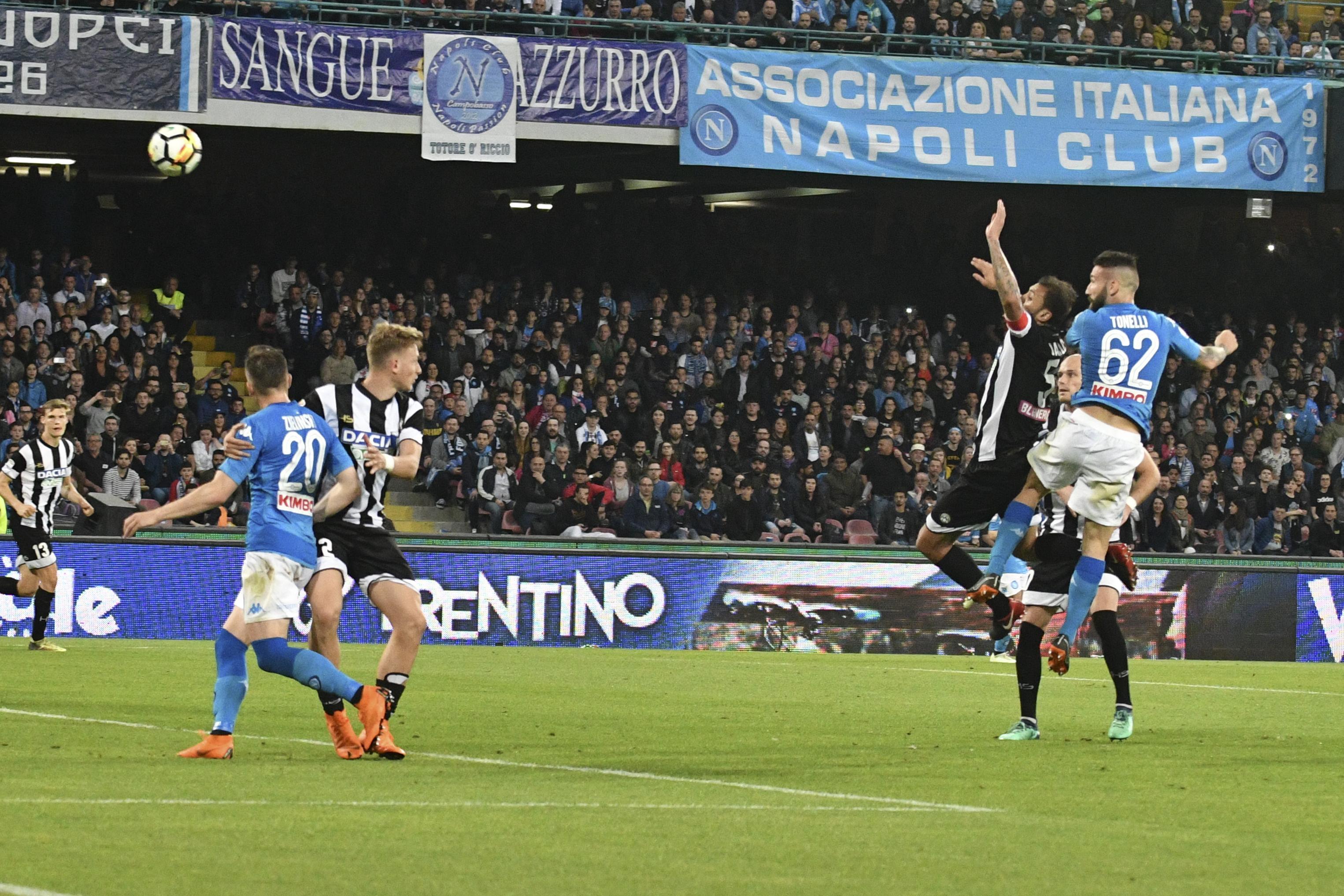 Napoli, paura e rimonta: Juve a 4 punti