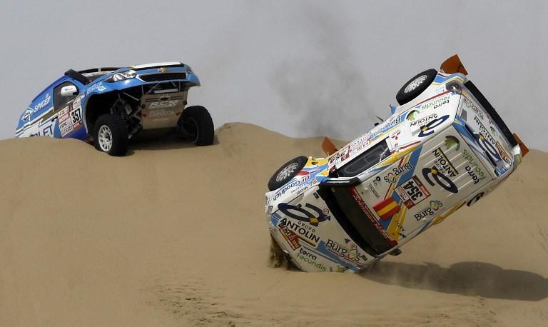 Incidente sulle dune per Cristina Gutierrez e il copilota Gabriel Moiset Ferrer alla Dakr (6 genanio)