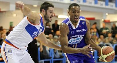Basket, Brindisi non si ferma più: battuta anche Cantù