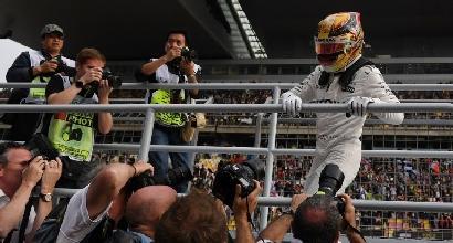 """Hamilton: """"Questa Ferrari mi fa andare più forte"""""""