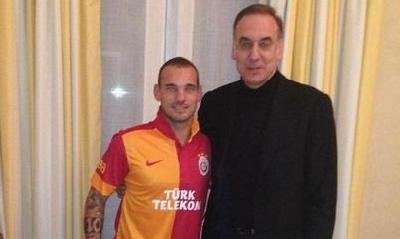 "Galatasaray: ""Accordo con Sneijder"""