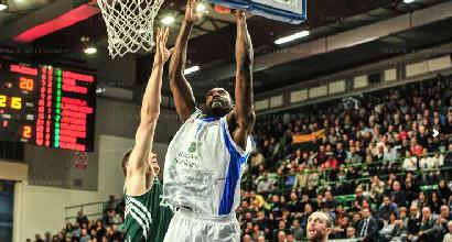 Basket, serie A: Sassari asfalta Pesaro, è prima