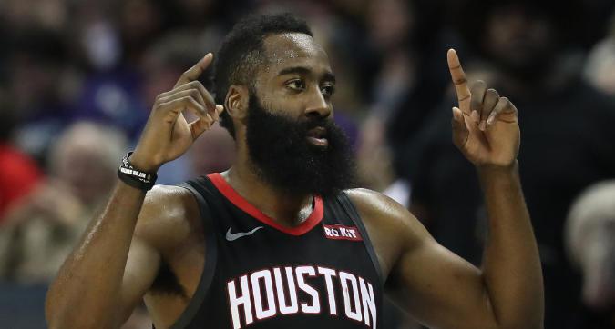 Nba: i Clippers vincono anche senza Gallinari, un Harden da 50 punti elimina i Kings dalla corsa playoff