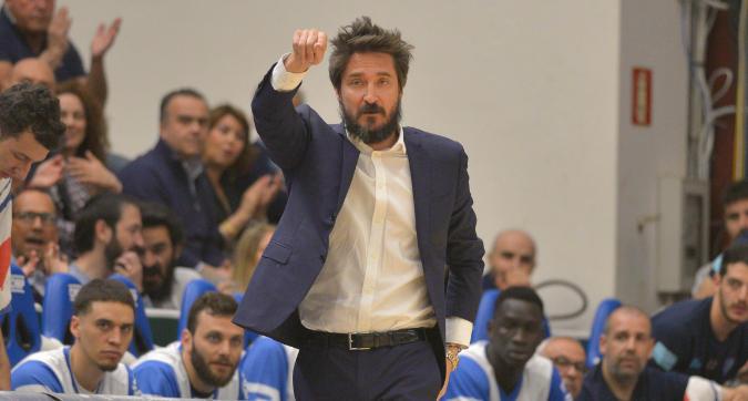 Basket, finale scudetto: si va a gara-7, Sassari non molla e batte Venezia 87-77