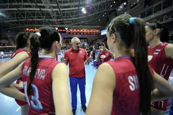 L'Italia inizia nel peggiore dei modi l'avventura al Torneo Preolimpico in corso di svolgimento ad Ankara in Turchia. La Russia si è infatti imposta col punteggio di 3-1 (25-16, 23-25, 25-19, 25-21) sulle azzurre di Marco Bonitta che ora si giocheranno l'accesso alle semifinali nei prossimi due match contro Belgio e Polonia. Solo la squadra che vincerà questa competizione si aggiudicherà il pass per i Giochi di Rio 2016. <br /><br />