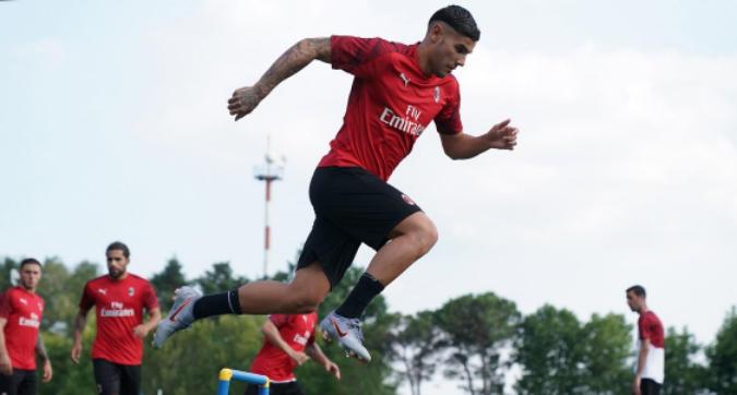 """Milan, Theo Hernandez: """"Porto velocità e dribbling, Maldini idolo"""". Krunic: """"Io come De Bruyne"""""""