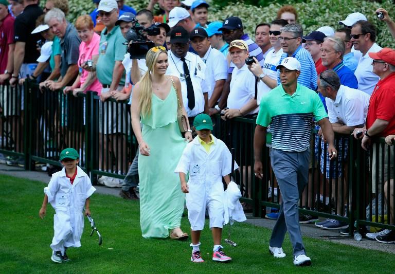 Alla vigilia dell'Augusta Masters, Tiger Woods si presenta al   celebre Par 3 contest insieme ai figli, Sam e Charlie, e alla   compagna Lindsey Vonn. Numerosi sorrisi per la coppia, che ha   prevedibilmente monopolizzato la scena... <br /><br />