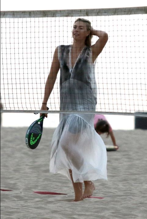 Maria Sharapova si dà al beach tennis