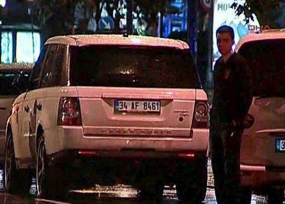 La Jeep di Guti (Besiktas) finita contro un autobus nel dicembre 2010.