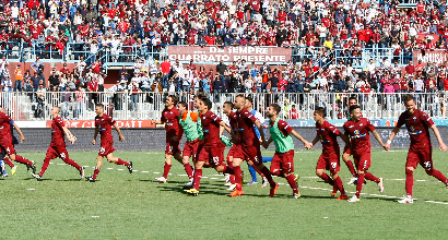Crotone, i tifosi: meglio giocare a porte chiuse che a Pescara