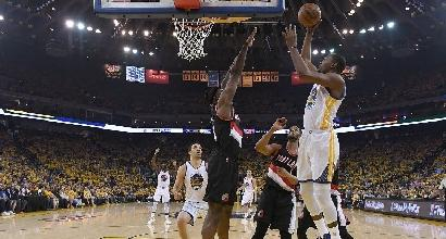 Nba, playoff: Warriors e Rockets show, colpo Bulls a Boston