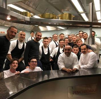 Una Nazionale stellata: Bonucci e compagni a cena all'Enoteca Pinchiorri